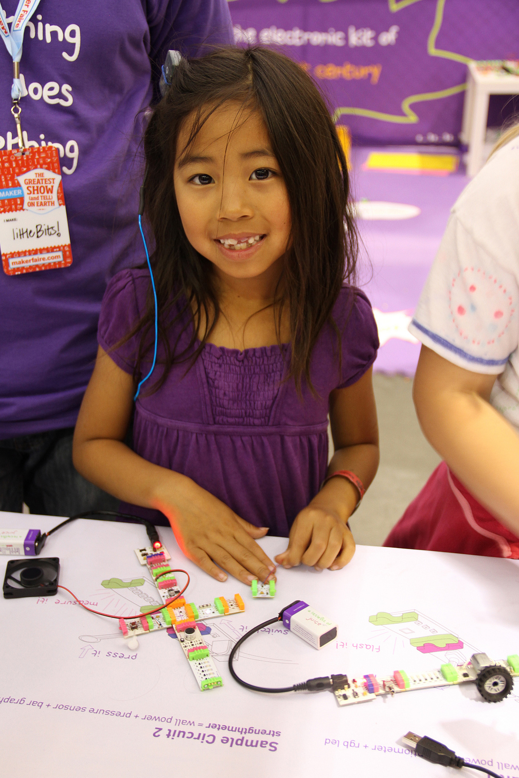Little Bits Engage Their Minds Littlebits Kits Teach Beginning Circuitry To Kids Discount Image From Http Commonswikimediaorg Wiki File